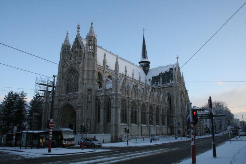 Notre-Dame du Sablon... et les affreux cables des trams